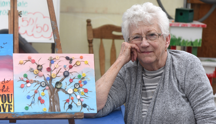 Loretta Carr is a talented aretist who teaches various art classes at Angora Gardens in White Oak.